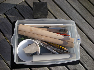 Welke gereedschappen heb je nodig voor zilverklei