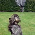 Spelend meisje met ballon