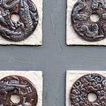 Schilderij met drakenmunten